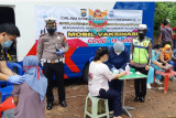 Mobil vaksin COVID-19 Polresta Bandarlampung sambangi warga