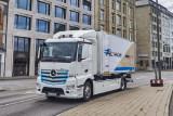 Mercedez-Benz resmi luncurkan truk listrik eActros
