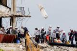 Presiden Biden berduka cita, pencarian di runtuhnya gedung Florida dilanjutkan