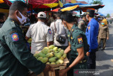 Ganggu arus kendaraan, Satpol PP Damkar tertibkan PKL di depan Pasar Rakyat Pariaman