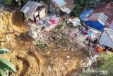 Tiga Rumah Tertimbun Tanah Longsor Di Kendari