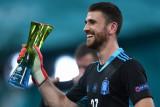 Euro 2020 - Pahlawan adu penalti, kiper Spanyol Unai Simon jadi