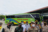 Tim Gabungan Gunung Kidul menertibkan tujuh bus rombongan wisatawan