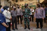 Panglima TNI tegaskan nakes adalah kesatria negara lawan COVID-19