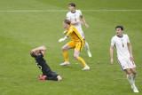 Mourinho minta Southgate tidak tergoda pasang formasi tiga bek