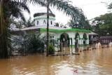 Ratusan unit rumah warga dan satu masjid di Aceh Barat terendam banjir