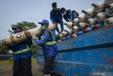 Indonesia pesan 10.000 tabung oksigen dari Singapura
