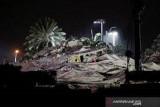 Jenazah korban terakhir ditemukan direruntuhan gedung Florida