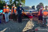 NasDem bantu 11 perahu fiber nelayan Morowali