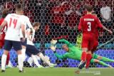 UEFA denda Inggris Rp516 juta karena insiden laser