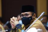 Menteri Agama meminta warga sementara beribadah di rumah