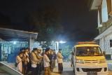 Siaga 24 Jam, lewat tengah malam tim Barzah Dompet Dhuafa layani pengantaran jenazah COVID-19