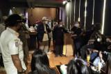 Bupati Pasaman Barat tidak akan beri izin kafe dengan kamar karaoke