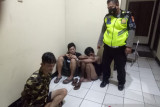 Polisi bekuk dua komplotan begal bersenjata tajam