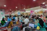 Pusat perbelanjaan  di Batam dipadati warga jelang pemberlakuan PPKM Darurat