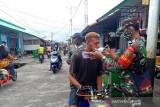Personel gabungan TNI/Polri di Asmat razia penegakan prokes COVID-19