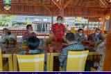 Pemkab bahas pembangunan jalan dan pemasangan instalasi listrik di Pekon Way Haru