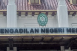 Wali Kota Tanjung Balai nonaktif diadili dalam kasus suap