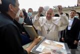 Paus Fransiskus : Vaksin COVID-19 demi kebaikan semua orang