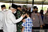 Panglima TNI tinjau vaksinasi COVID-19 kampus dan pesantren Jakarta
