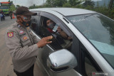 Ratusan kendaraan putar balik di Pos Perbatasan Padang