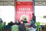 Pelaksanaan Serbuan Vaksinasi TNI-AL di Monumen Trikora Bitung