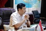 Menko Luhut meminta jam kerja buruh diperketat