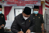 DPRD Kabupaten Lampung Selatan sahkan Raperda tentang Pendirian BUMD dan Penyertaan Modal