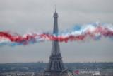 Menara Eiffel kembali dibuka usai ditutup delapan bulan