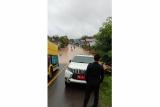 Banjir terjang Kapuas Hulu-Kalbar, akses jalan nasional terputus