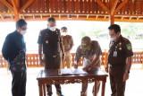 Bupati Pesisir Barat hadiri serah terima barang milik negara
