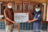 KAI Purwokerto serahkan bantuan CSR bagi warga Banyumas
