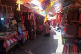 Kendati sepi pengunjung, pedagang pasar Lereng Bukittinggi tetap semangat berjualan