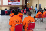 Sebanyak 21 tahanan Polresta dan Polsek di Palangka Raya divaksin
