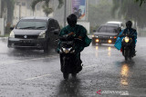 BMKG: Hari ini hujan lebat dan angin kencang di beberapa wilayah