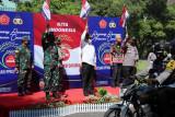 TNI-Polri distribusikan 30.000 paket sembako bagi warga Solo