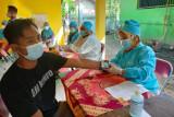 Bantul menggencarkan vaksinasi COVID-19 terhadap pedagang pasar rakyat