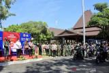 Panglima TNI dan Kapolri luncurkan bantuan 30.000 paket sembako di Solo