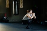 Ini gerakan olahraga yang bisa dilakukan pasien isolasi mandiri COVID-19