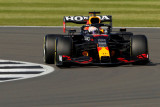 Verstappen pecundangi Lewis Hamilton di sprint race untuk pole GP Inggris