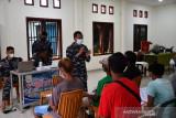Danlantamal X apresiasi antusias warga Dok IX Jayapura divaksin COVID-19