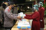 Kapolri beri bantuan kapada tenaga kesehatan di RS Polri Soekanto