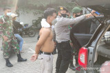 Petugas nyaris ditabrak pelaku penjambretan  di pos Kalideres
