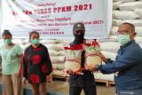 Bulog Sulselbar salurkan beras 7.021 ton lebih terkait PPKM