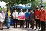 Ketua DPRD Kalteng pantau langsung penyaluran hewan qurban di Kapuas