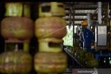 Pertamina Sulawesi menambah pasokan LPG subsidi 932.520 tabung