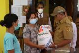 Kota Kupang salurkan bantuan beras untuk 22.518 keluarga terdampak PPKM