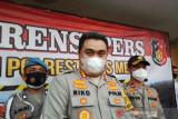Polisi bantu distribusi daging kurban kepada warga di Medan