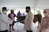 Kapolda Nana Sudjana serahkan 20 sapi dan empat kambing untuk kurban