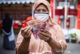 Jokowi perintahkan menteri terkait salurkan bansos